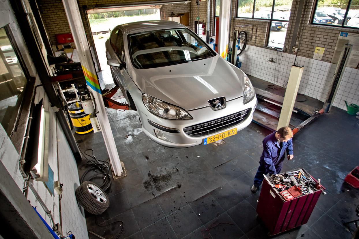 Garage Van den Heuvel